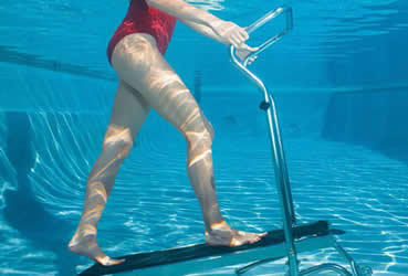 Piscina torrazza di torino for Attrezzi per piscina